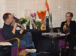 Henrik Johansson från Författarcentrum Syd och jag talar om Utan ord.
